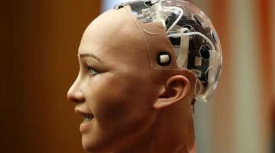 Yüzünün robotlarda kullanılmasına izin veren bir kişiye, 128 bin dolar verilecek'
