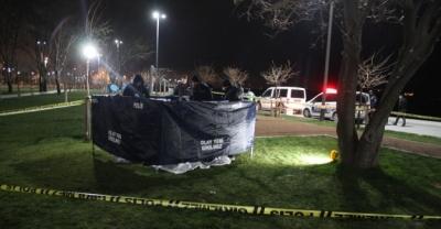 Zeytinburnu'nda ağaca asılı erkek cesedi bulundu