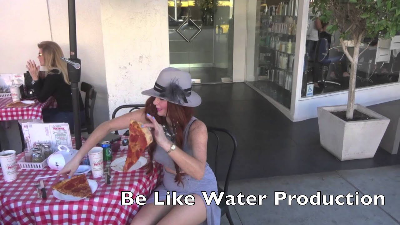 Phoebe Price shows her love for Pizza
