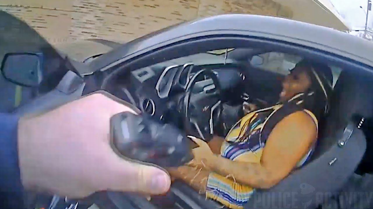 ABD'de polis, kendisine ateş eden siyah kadını vurarak öldürdü