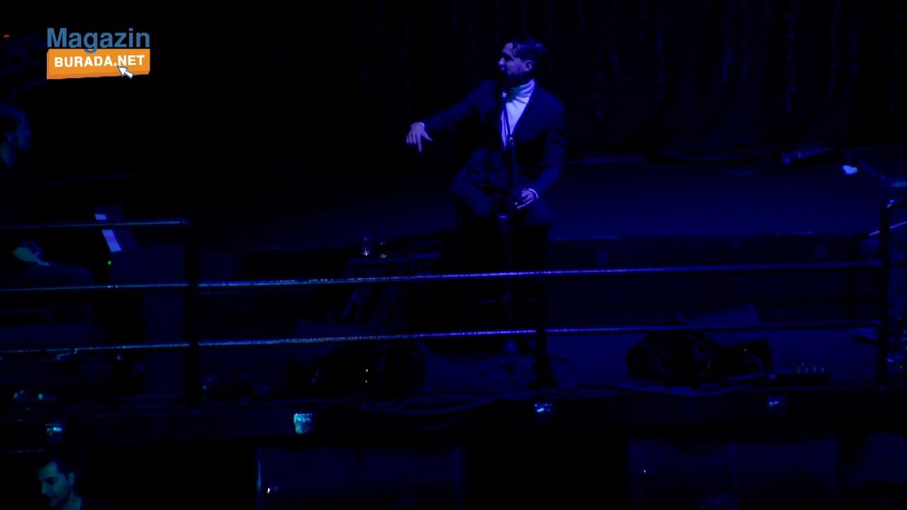 Cem Adrian Müzik Boğaz'dan Gelir konserinde