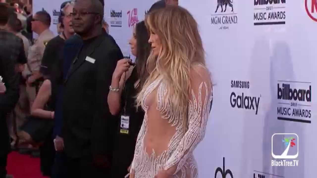 Jennifer Lopez looking Hot