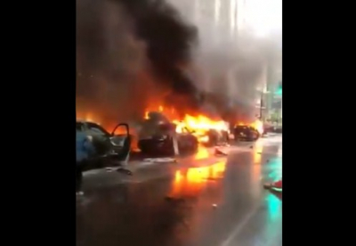 Seattle'da polis araçları böyle yakıldı